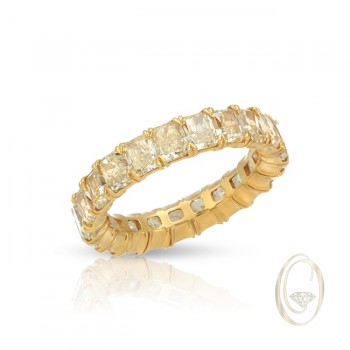 18K RADIANT-CUT DIAMOND ETERNITY RING