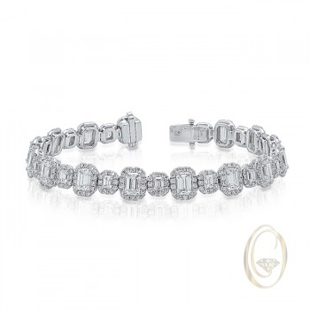 18K EMERALD-CUT DIAMOND BRACELET